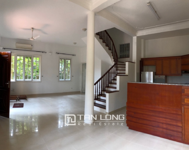 Charming villa for rent on To Ngoc Van street, Tay Ho district! 6