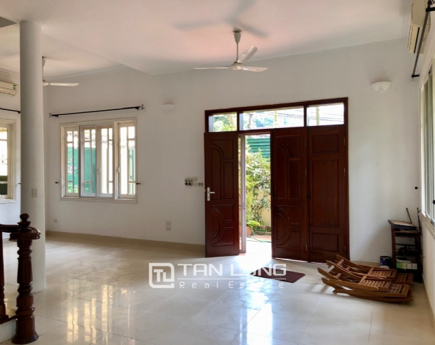 Charming villa for rent on To Ngoc Van street, Tay Ho district! 7