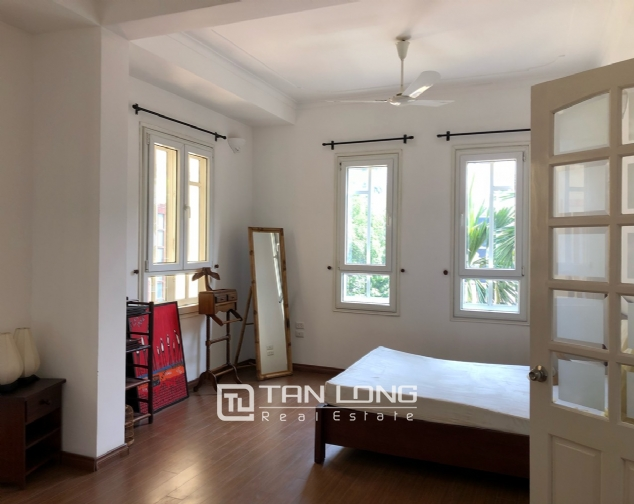 Charming villa for rent on To Ngoc Van street, Tay Ho district! 2