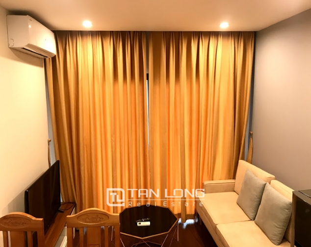 Cheap 1 bedroom apartment for rent on Tu Hoa street, Tay Ho district 3