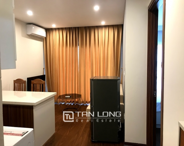 Cheap 1 bedroom apartment for rent on Tu Hoa street, Tay Ho district 4