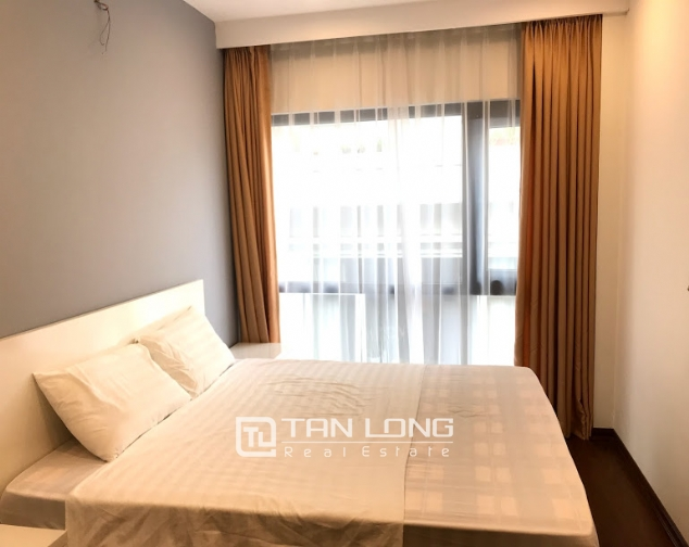 Cheap 1 bedroom apartment for rent on Tu Hoa street, Tay Ho district 6