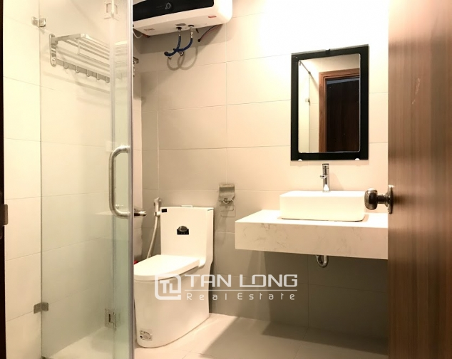 Cheap 1 bedroom apartment for rent on Tu Hoa street, Tay Ho district 7