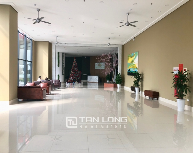 Cheap 2-bedroom apartment for rent in Lac Hong Building, Tay Ho district! 1