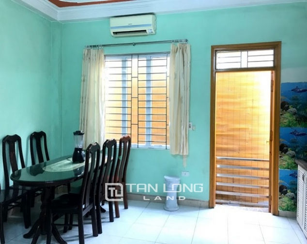 Cheap  and furnished 4 bedroom house for rent on Dang Thai Mai street, Tay Ho district 9