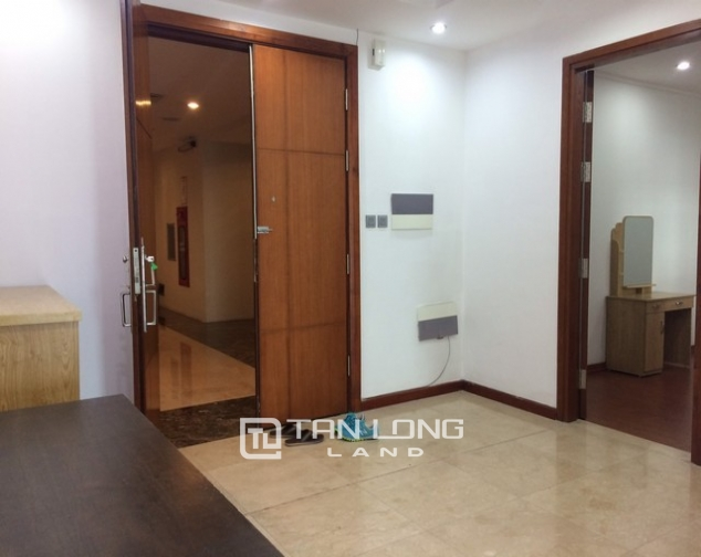 Cheap and nice 3 bedroom apartment for rent in L2 tower The Link Ciputra urban area 4