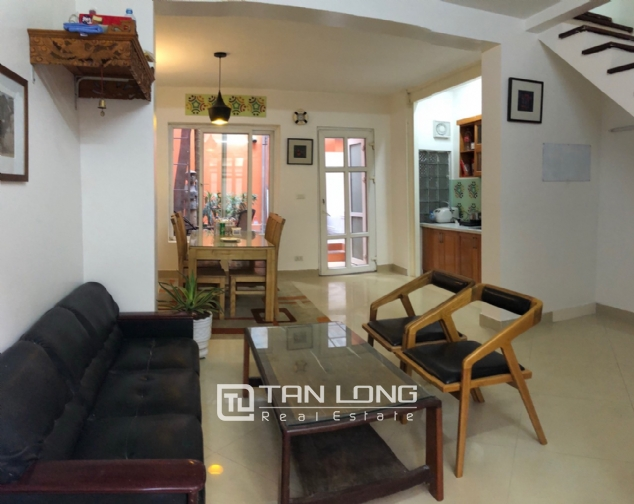Cheap house for rent in Au Co street, Tay Ho district! 3