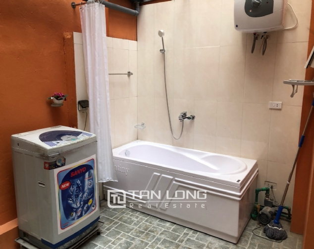 Cheap house for rent in Au Co street, Tay Ho district! 7