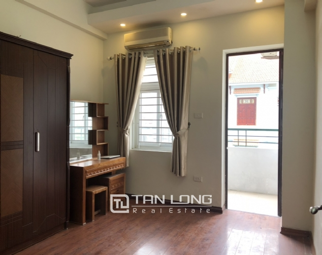 Cheap price apartment for rent in Hoang Quoc Viet street, Cau Giay district! 3