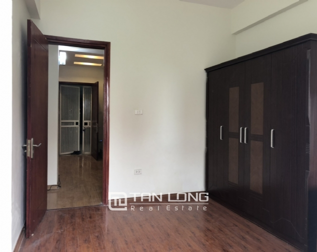 Cheap price apartment for rent in Hoang Quoc Viet street, Cau Giay district! 4
