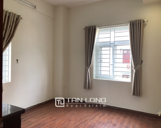 Cheap price apartment for rent in Hoang Quoc Viet street, Cau Giay district! 5