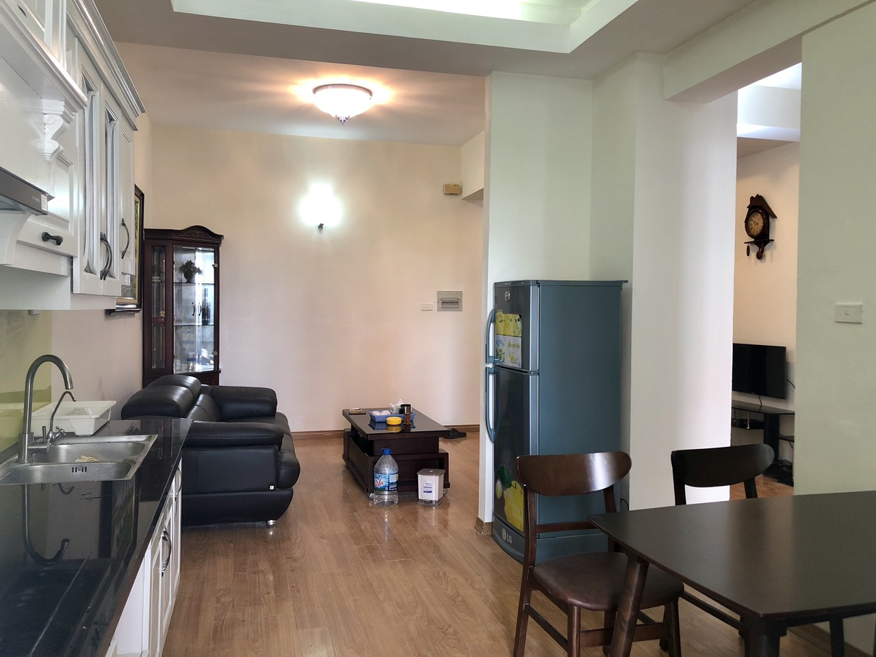 Cheap price apartment for rent in Hoang Quoc Viet street, Cau Giay district!