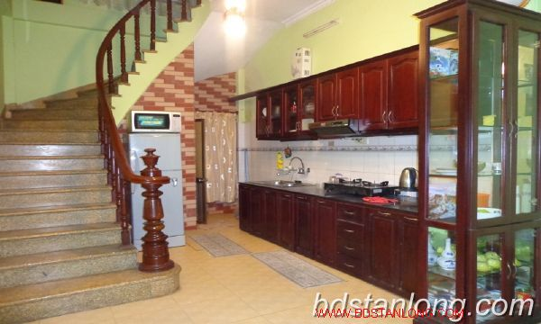 Cheap three bedroom house in Au Co street 1