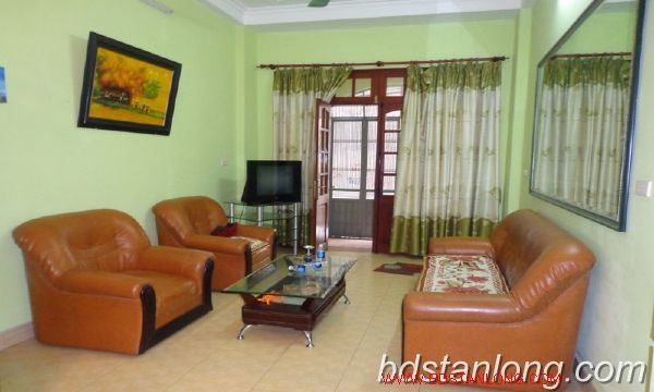 Cheap three bedroom house in Au Co street 2