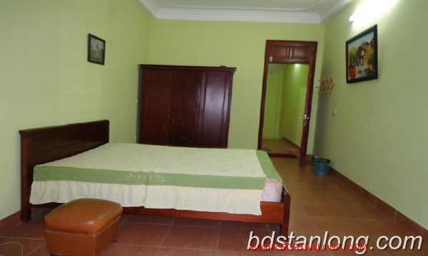 Cheap three bedroom house in Au Co street 3