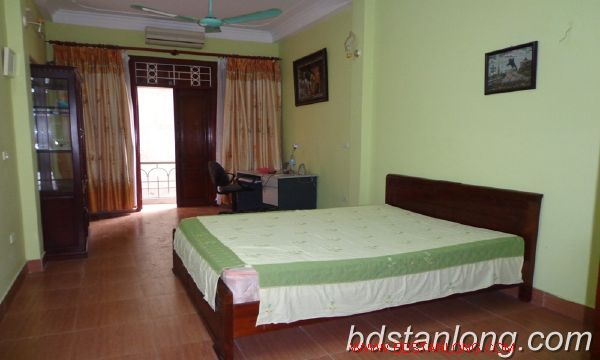 Cheap three bedroom house in Au Co street 4