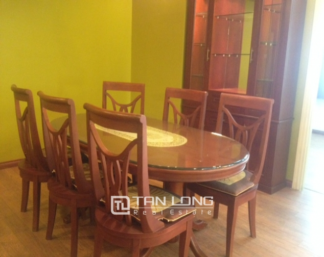 Ciputra Hanoi: 4 bedroom apartment in E4 Ciputra for sale 2