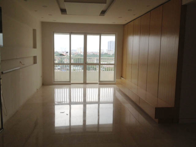 Ciputra Tay Ho: 4 bedroom apartment for sale in P1, no furniture