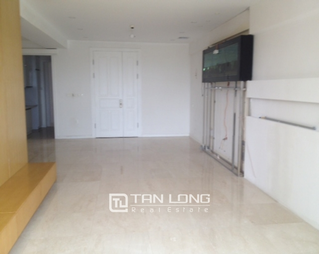 Ciputra Tay Ho: 4 bedroom apartment for sale in P1, no furniture 2