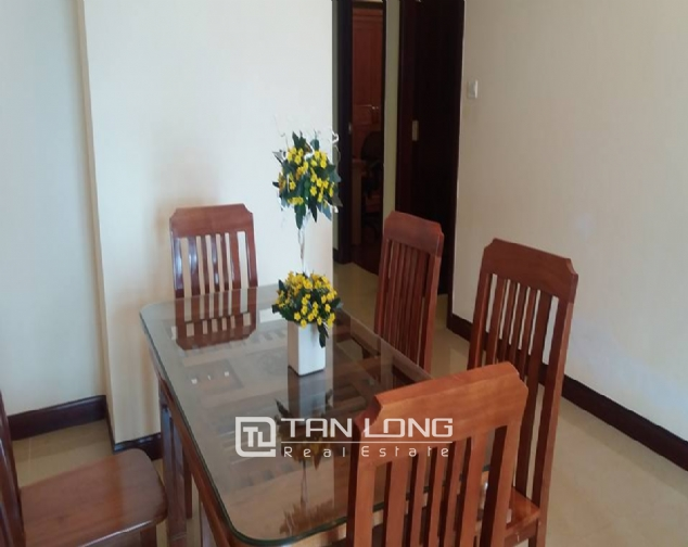City view 2 bedroom apartment in R4 Vinhomes Royal City for rent 3