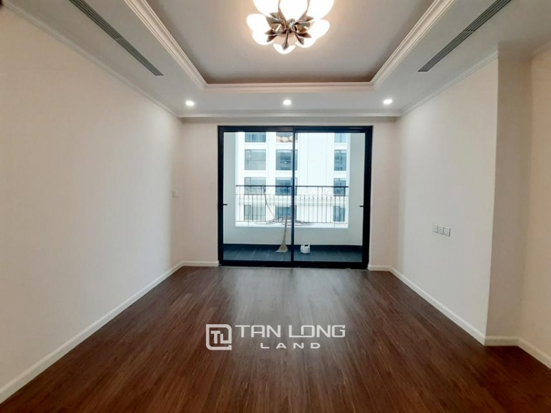 CORNER 3BRs apartment on the 29th floor for rent in Sunshine Riverside, Ciputra, Tay Ho 1