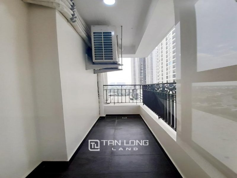 CORNER 3BRs apartment on the 29th floor for rent in Sunshine Riverside, Ciputra, Tay Ho 4
