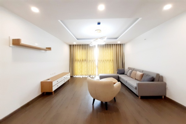 CORNER & SPACIOUS 3 bedroom apartment for rent in FLC Twin Tower, 265 Cau Giay street