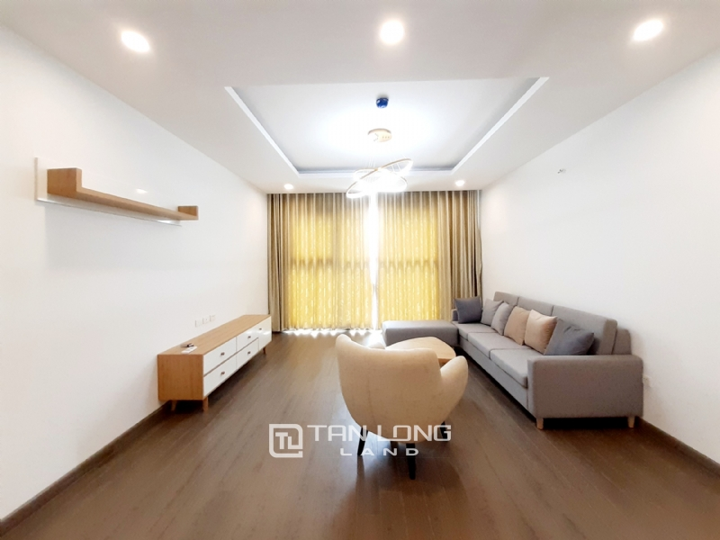 CORNER & SPACIOUS 3 bedroom apartment for rent in FLC Twin Tower, 265 Cau Giay street 1
