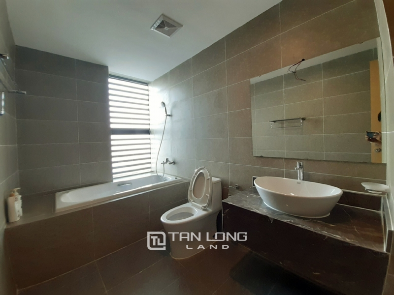 CORNER & SPACIOUS 3 bedroom apartment for rent in FLC Twin Tower, 265 Cau Giay street 7