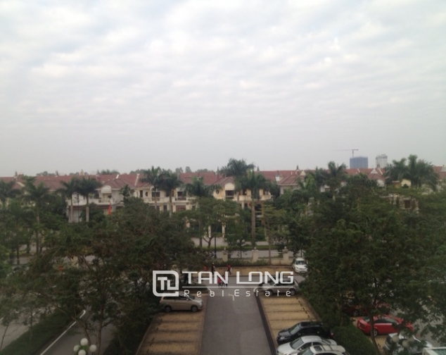 Cozy 3 bedroom apartment in E5 Ciputra Hanoi for sale 5