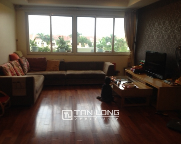 Cozy 3 bedroom apartment in E5 Ciputra Hanoi for sale 1