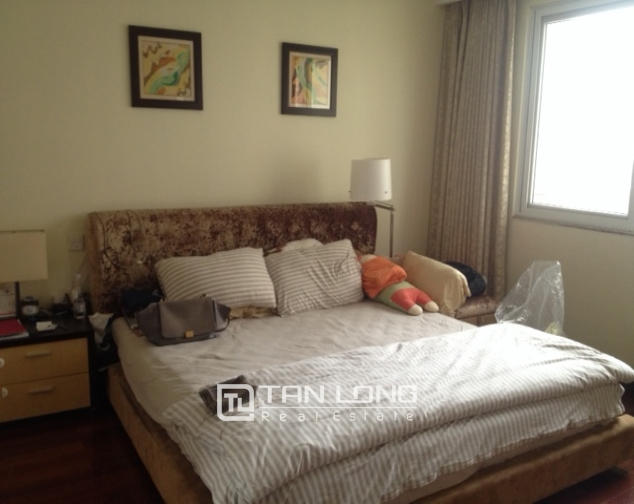 Cozy 3 bedroom apartment in E5 Ciputra Hanoi for sale 7