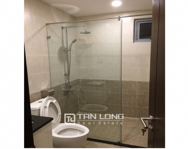 Deserable condominium in Vinhomes Nguyen Chi Thanh for lease 1