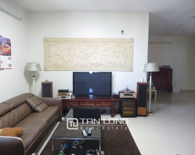 Duplex apartment with modern design for sale in E5 Ciputra, Tay Ho district 4