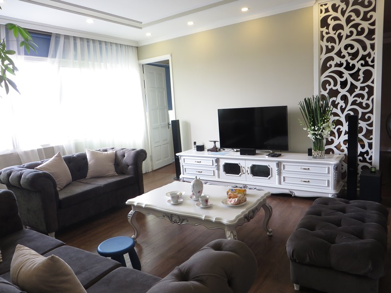 E1 Ciputra apartment for sale, 3 bedrooms, modern decoration