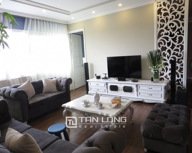 E1 Ciputra apartment for sale, 3 bedrooms, modern decoration 2
