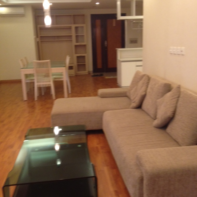 E1 Ciputra Hanoi: selling 3 bedroom apartment, basic furniture