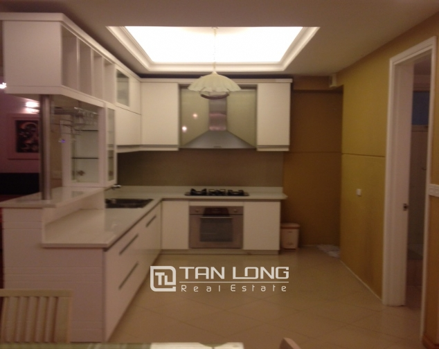 E1 Ciputra Hanoi: selling 3 bedroom apartment, basic furniture 5