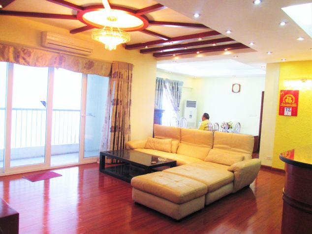 Elegant 3 bedroom flat for rent in Peach Garden, Tay Ho dist, Hanoi