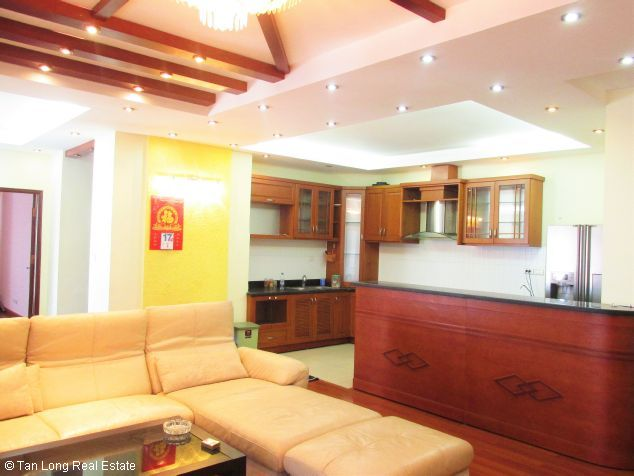 Elegant 3 bedroom flat for rent in Peach Garden, Tay Ho dist, Hanoi 3