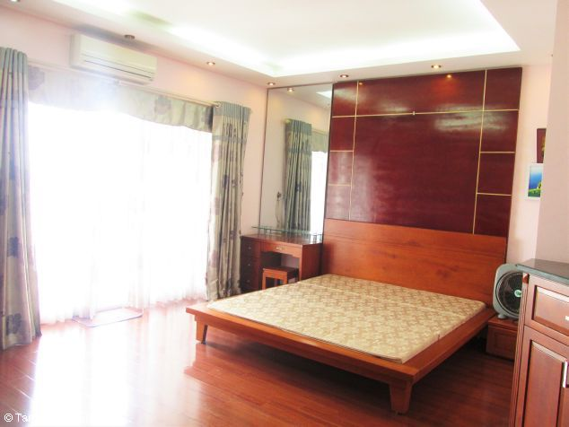 Elegant 3 bedroom flat for rent in Peach Garden, Tay Ho dist, Hanoi 6