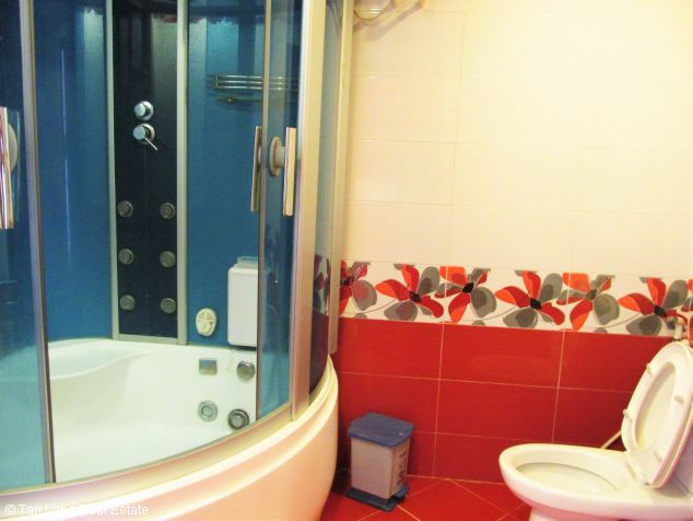 Elegant 3 bedroom flat for rent in Peach Garden, Tay Ho dist, Hanoi 9