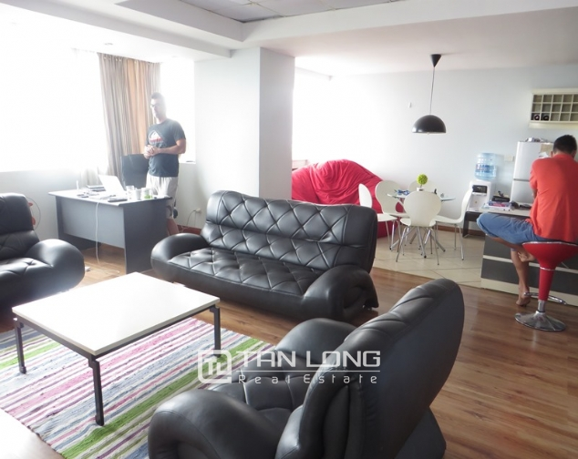 Elegant apartment for rent in Doi Nhan, Ba Dinh district, 2 bedrooms 2
