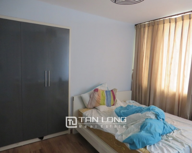 Elegant apartment for rent in Doi Nhan, Ba Dinh district, 2 bedrooms 5