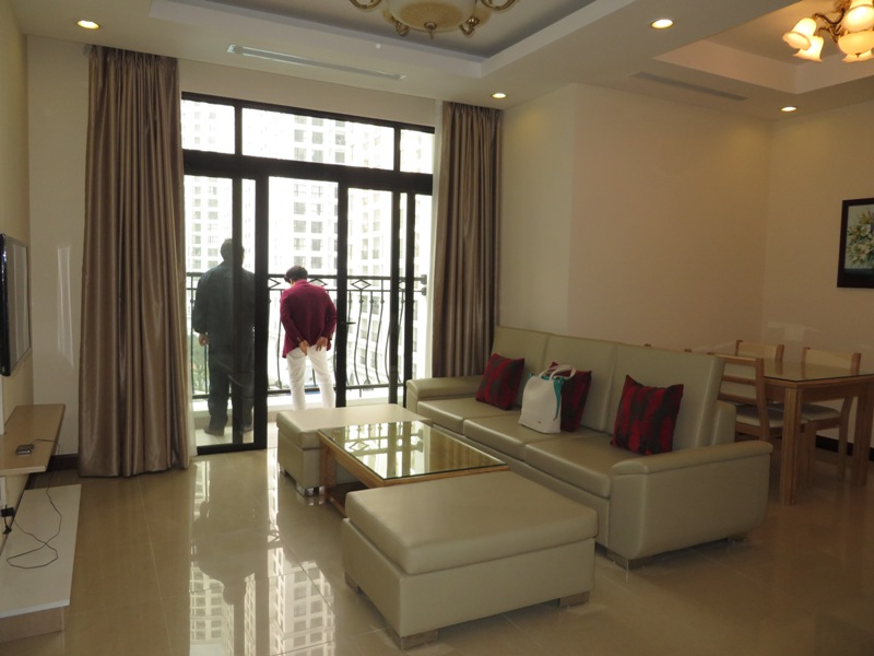 Elegant apartment to rent in R2 Royal City, 2 bedrooms and 2 bathrooms