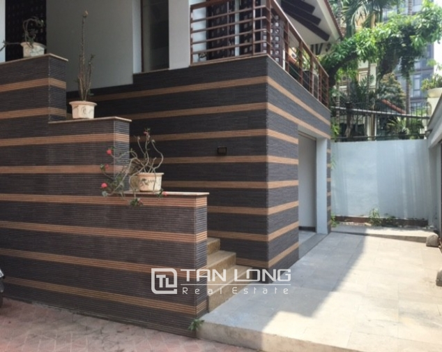 Fantastic 4 bedroom villa for rent in Dang Thai Mai, Tay Ho, Hanoi 4