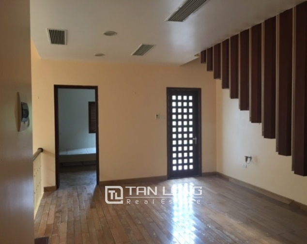 Fantastic 4 bedroom villa for rent in Dang Thai Mai, Tay Ho, Hanoi 6