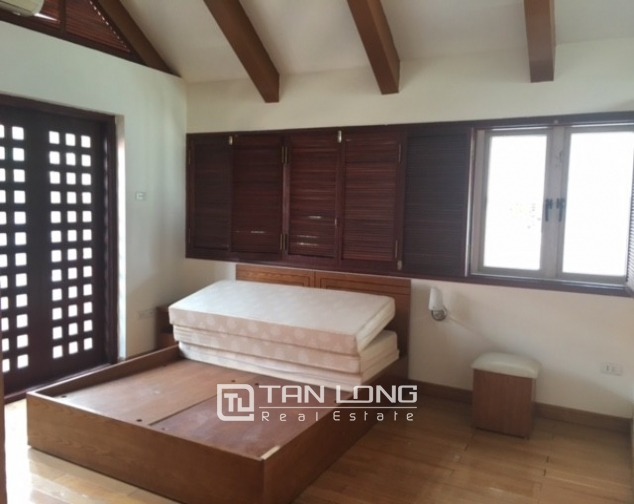 Fantastic 4 bedroom villa for rent in Dang Thai Mai, Tay Ho, Hanoi 3