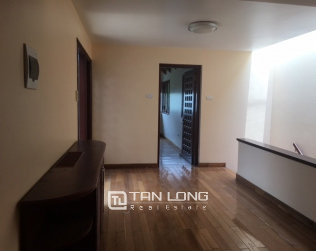 Fantastic 4 bedroom villa for rent in Dang Thai Mai, Tay Ho, Hanoi 5