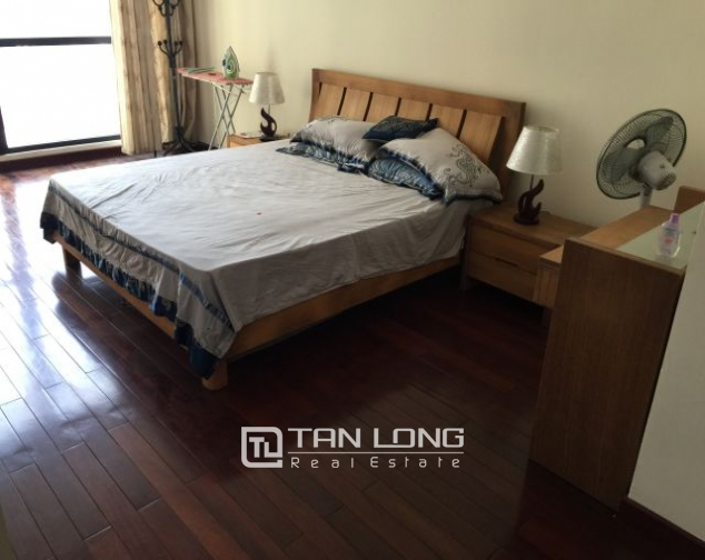 Fascinating apartment for rent in Vincom tower, Ba Trieu 4